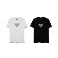 LESS - L TRIANGLE TEE