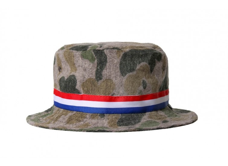LESS - CAMO BUCKET HAT